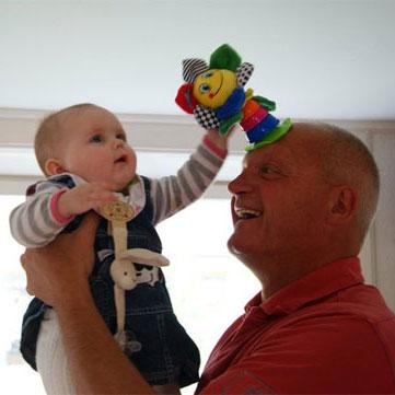 Jørgen med barnebarn
